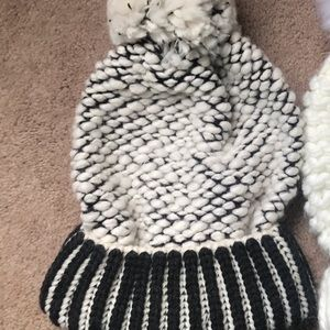 Accessories - Free people black beanie reserved ***